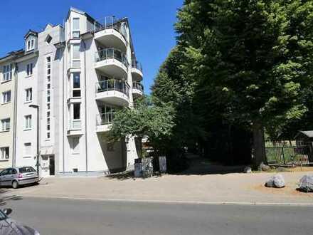 Liebevoll ausgestattete Maisonette-Wohnung mit Balkon, Terrasse und PKW-Stellplatz