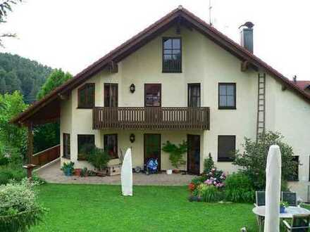 Haus mit Flair, großem Garten und Einliegerwohnung