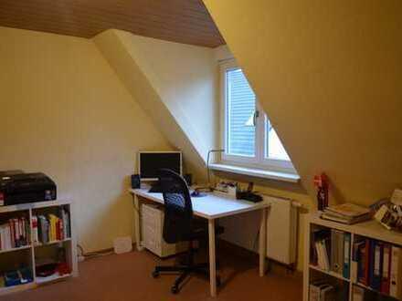 Gemütliche 2-Zimmer-Dachgeschosswohnung in Karlsruhe-Knielingen