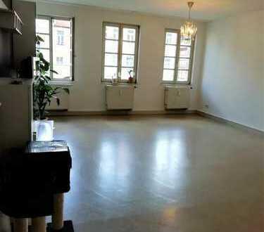 Schöne WG-geeignete 4-Zimmer-Wohnung in Fürth zentral am Rathaus