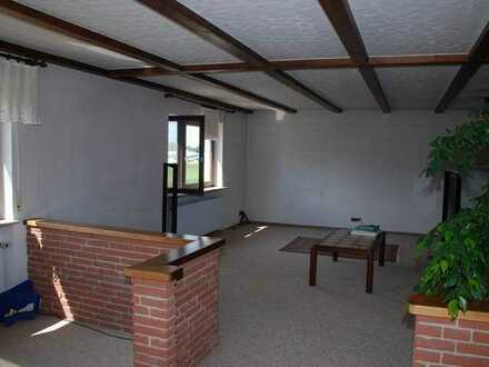 Grosszügige 4-1/2-Zi-Wohnung bzw. Bürofläche in ruhiger Lage - 126m² Wfl. - EBK vorhanden