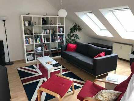 Provisionsfrei: Charmante und ruhige 2-Zimmer-Dachgeschoßwohnung in Godesberg