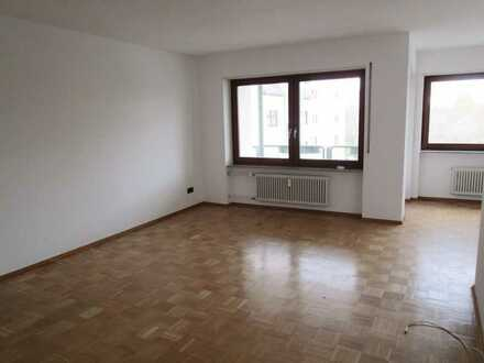 Ruhig gelegene großzügig 3-Zimmer Wohnung mit Balkon