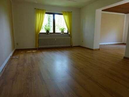 -Lesumstotel- ruhig gelegene 4 Zimmerwohnung mit kleinem Garten sucht Mieter die die Ruhe lieben.