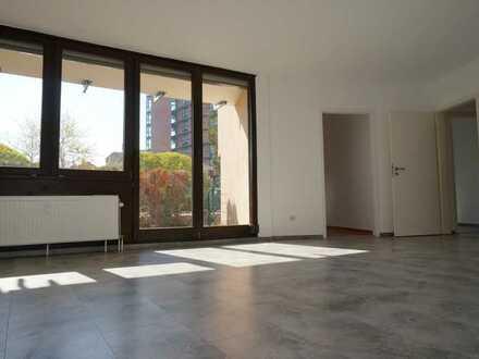 Vollständig renovierte 4-Raum-EG-Wohnung mit Terrasse in Frankenthal (Pfalz)