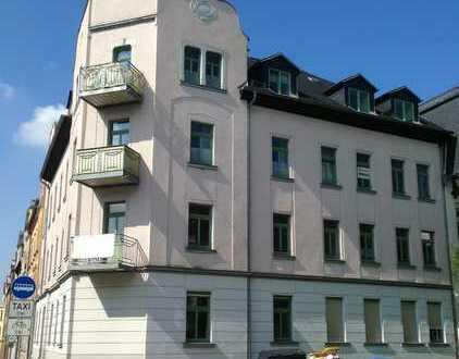 Hallo Hallo - solide 3 Raum Wohnung mit Laminat und Balkon