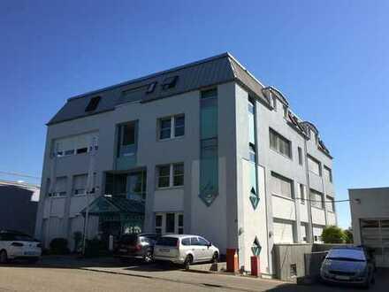 Bürogebäude mit Appartements
