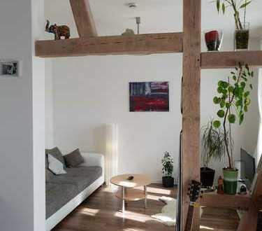 Zentrale und gut geschnittene 2-Raum-Wohnung mit Süd-Balkon