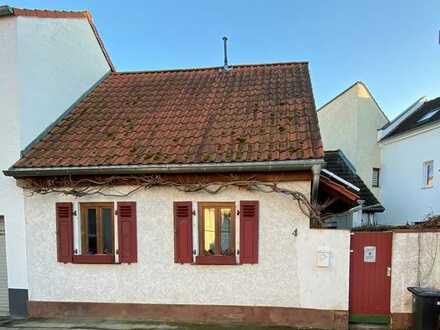 Liebenswertes Wohnhaus mit kleinem Innenhof und Sauna
