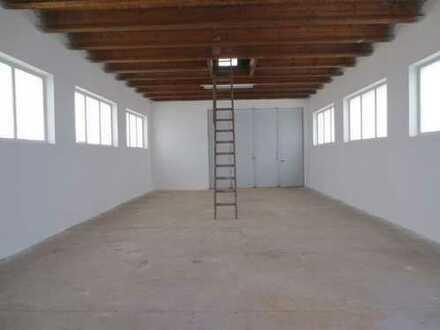 Zwei Hallen mit Freifläche! Auch getrennt zu Vermieten.