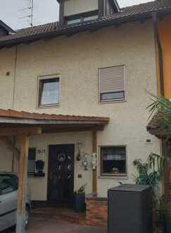 Gepflegtes Reihenmittelhaus mit fünf Zimmern in Lörrach (Kreis), Weil am Rhein