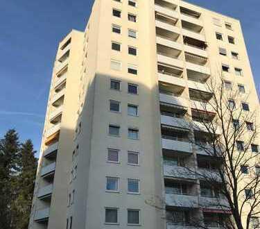 Ansprechende 4-Zimmer-Wohnung mit sonnigem Balkon *Provisionsfrei*
