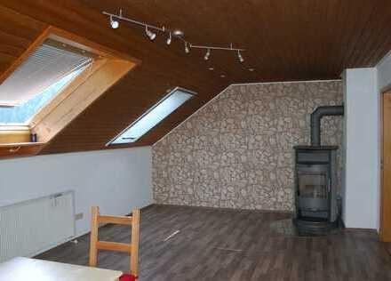 Große 3-Zimmer-Dachgeschoss-Wohnung mit Eckbadewanne und dem ultimativen Ausblick