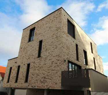 Neuwertige 2-Zimmer-Wohnung mit Balkon und EBK in Grünstadt