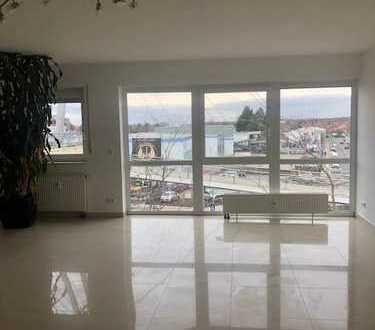 Renovierte 5-Zimmer-Wohnung mit Balkon in Raunheim