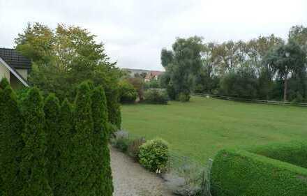 ruhige 2,5 ZKB mit Balkon und Garten