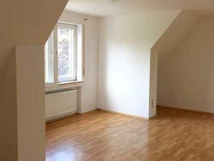 Großzügige 2-Zimmer DG-Wohnung in Leipheim
