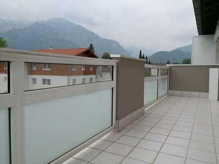 Modernisierte 4-Zimmer-Wohnung mit Balkon und EBK in Bad Reichenhall
