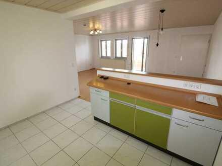 Schöne, helle 3,5 Zimmer Wohnung - sofort frei - Balkon - Garage - Hausmeisterservice - ruhige Lage