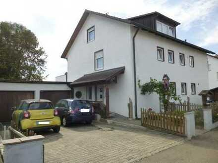 """Mit """"Wintergarten u. Terrasse"""" - sehr großzügige (mit 120qm Wfl.) 4,5 Zi.- EG- Wohnung in guter Lage"""