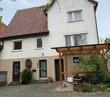 Haus mit sechs Zimmern in Ludwigsburg (Kreis), Ingersheim