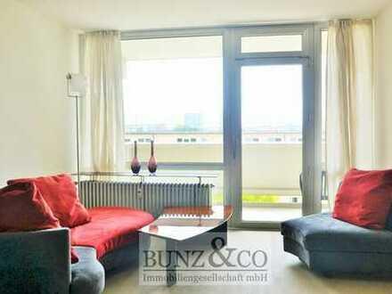 Möbliert: Großzügige Wohnung mit Loggia, Erstbezug nach Sanierung