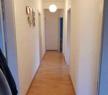Schöne 3-Zimmer Wohnung in Schlosspark Nähe