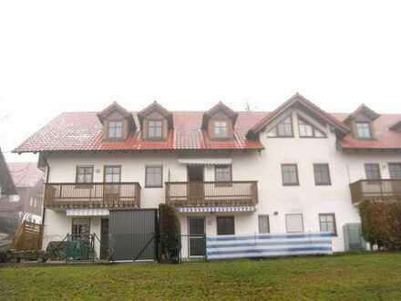 Modernisierte 2-Zimmer Wohnung mit Balkon und Tiefgaragenstellplatz in Feldkirchen