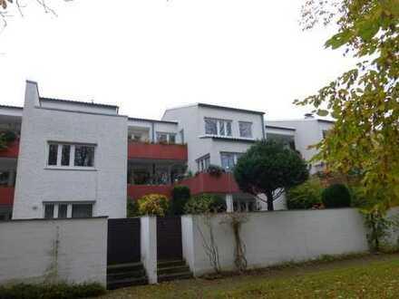 Herrliche 4 ZKB Dachterrassenwohnung mit riesiger Dachterrasse + Garage in Spickel
