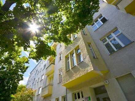 Vermietet: helle 2-Zimmerwohnung mit Balkon und Wannenbad