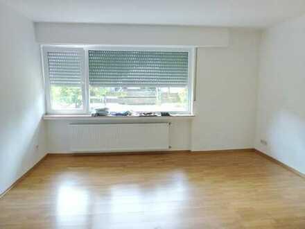 Refrath - *nur mit WBS* - helle, gut aufgeteilte 3-Zimmerwohnung (Halbsouterrain), 66 m²