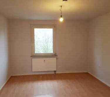 Schöne und praktische 2,5 Raum Wohnung mit neuem Bad!