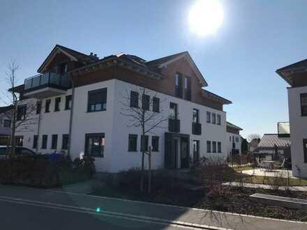 Hochwertig, hell und stilvoll: DG-Wohnung mit gemütlicher Loggia und Bergblick (Nutzfläche: 167 m²)