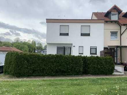 Schönes Einfamilienhaus mit sechs Zimmern in Alb-Donau-Kreis, Amstetten