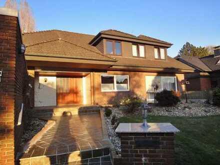 Zweifamilienhaus mit 2 großzügigen Wohnungen und wunderschönem Garten in ruhiger Lage von Gladbeck!