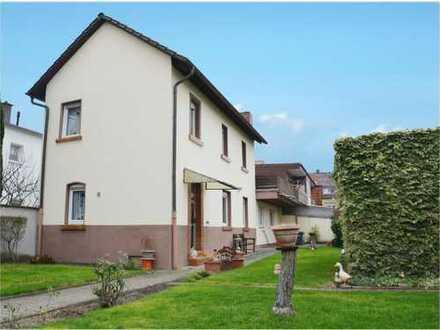 Gemütliches Einfamilienhaus mit Baugrundstück in Ludwigshafen-Friesenheim