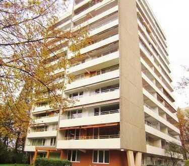 Gut geschnittene 1,5 Zi. Wohnung – Zentral in Freiburg-Zähringen mit großem Balkon !