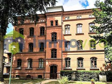 Hochwertige Penthousewohnung im sanierten Stilaltbau nahe des Parks Sanssouci