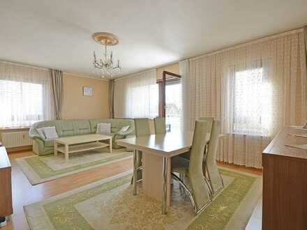 Die perfekte 4,5 Zimmer Familienwohnung mit Balkon und zwei Stellplätzen in Ditzingen
