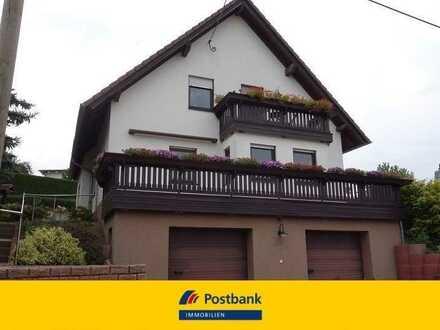 Schöne Eigentumswohnung mit modernem Grundriss und großer Terrasse im Zweifamilienhaus