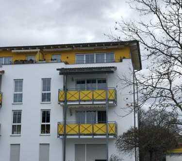 Penthouse - über den Dächern von Hersbruck... gepflegte 2 Zimmer-ETW mit Einbauküche und Extras