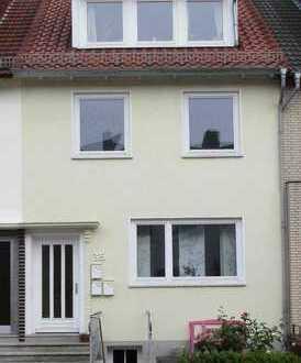 Gemütliche 2-Zimmer-Dachgeschosswohnung in Altbremer Haus mit Gartennutzung