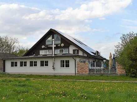 Gasthaus mit Hotelzimmern im Lkrs. Augsburg
