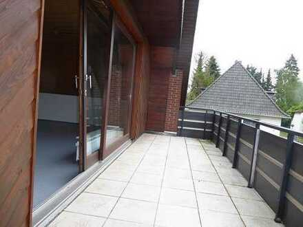 schicke renovierte 3 Zimmer Wohnung mit großem Balkon - Garage mögl.
