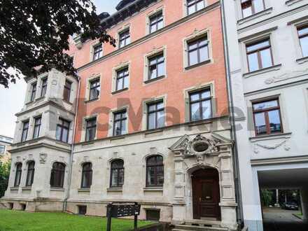 Ihr neues Zuhause in Chemnitz: Bezugsfreie 3-Zi.-ETW mit Balkon in repräsentativen Altbau