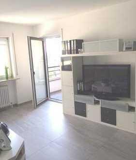 hochwertig sanierte 2 Zimmerwohnung mit EBK und Balkon u. Garage