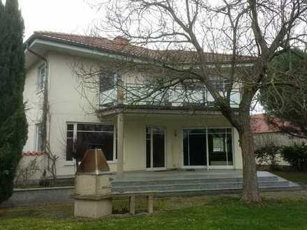 Schönes, geräumiges Architektenhaus mit Einliegerwohnug in Dirmstein Kreis Bad Dürkheim