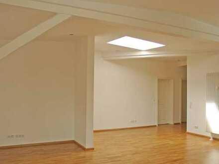 POCHERT IMMOBILIEN - Lifestyle PUR ! Modernes Wohnen im TOP Altbau