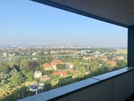 * Dachgeschoss-Wohnung am Elbhang mit Blick und großem Balkon/ Loggia *
