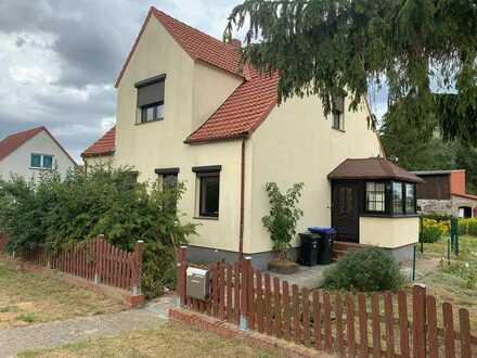 Einfamilienhaus mit ansprechendem Nebengelass in der Mecklenburgischen Seenplatte